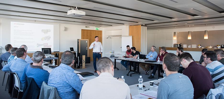 Mit dem Türtechnik-Seminar für Metallbauer zu mehr Fachkompetenz